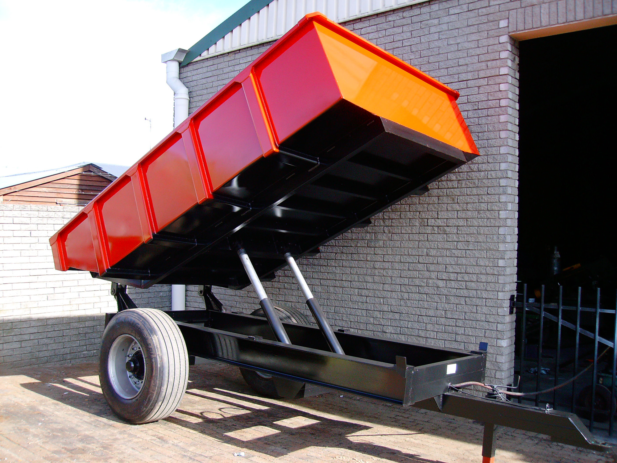 tip-trailers